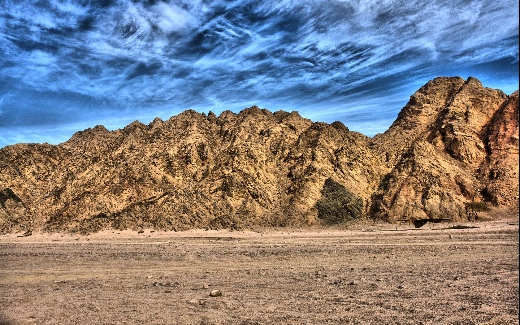 desert_mountains-788346